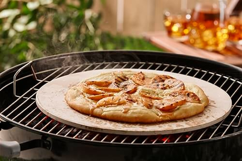 Grilled_Peaches_and_Cream_Pizza_with_Salted_Caramel